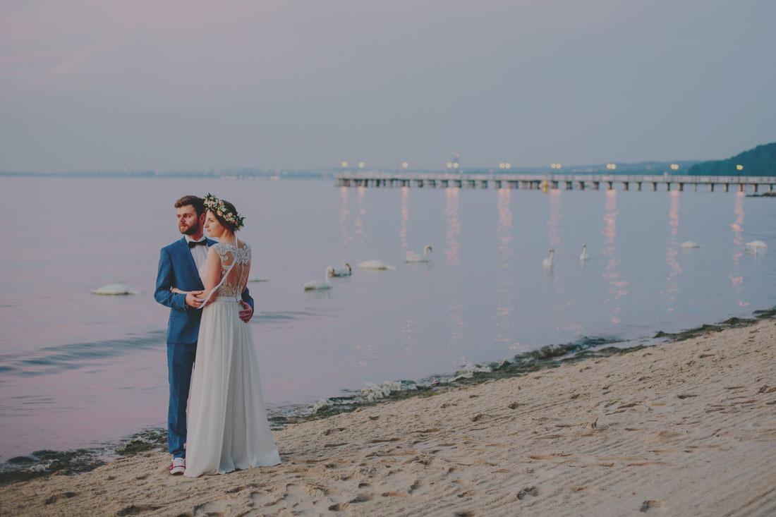 sesja ślubna nad morzem