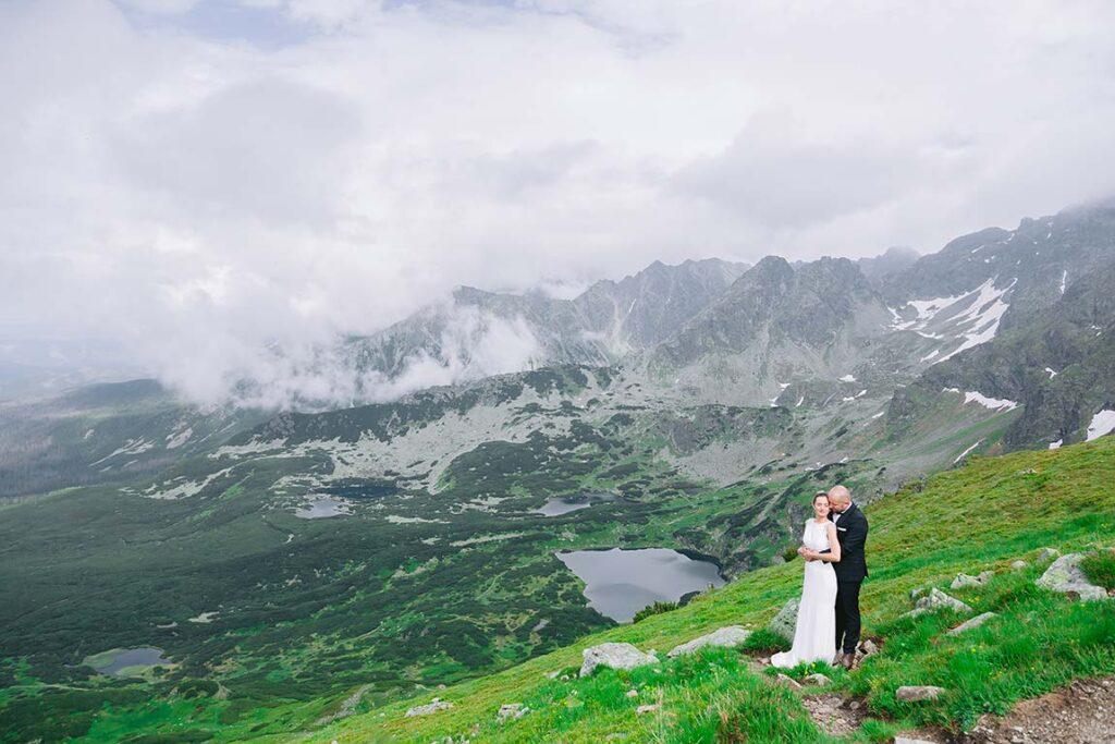 Jak skutecznie zabezpieczyć zdjęcia ślubne przed utratą?