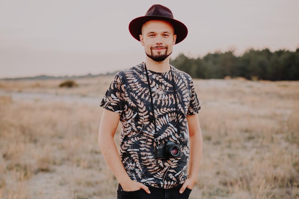 Marcin Syska zapraszający na warsztaty fotografii ślubnej
