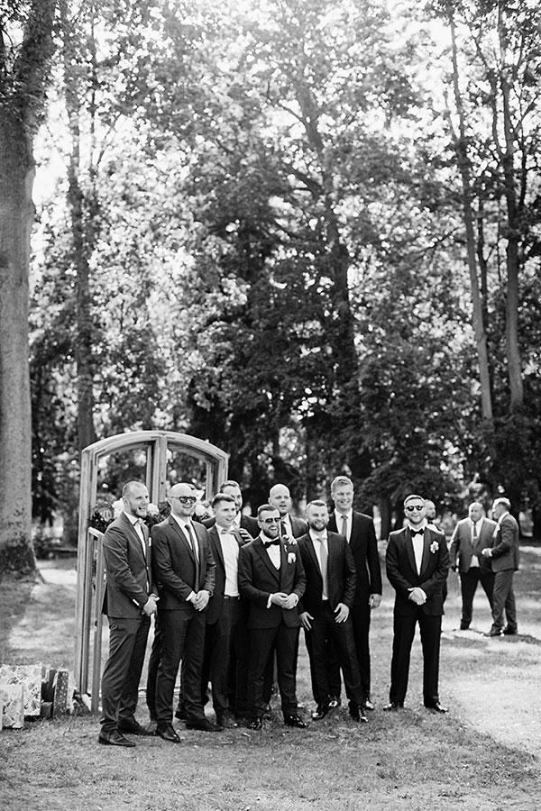 czarno biała fotografia analogowa na kliszy